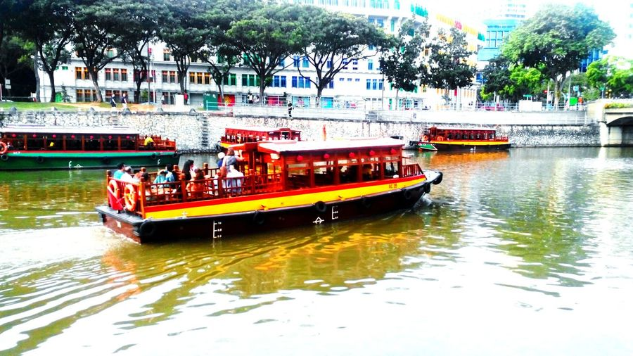 Singapore Clarke Quay River Boat Relaxing Taking Pictures Just Like A Painting Travel Diaries Reflection Water