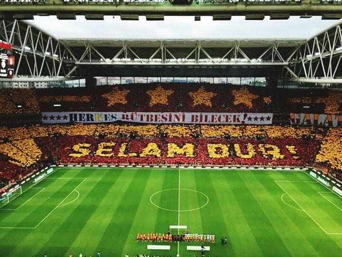 Happy Fantasy Goals Won Champion Sneijder Yasin öztekin Türk Telekom Arena Yellow Red
