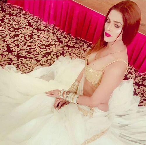 Indian beauty... Bride Wedding Dress Beautiful Woman Young Women Beauty Full Length Sitting Women Red Glamour