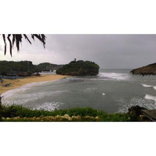 Namamu akan selalu hidup dalam sanubariku. . . . . 🎶 🚗 Poniran Sulis Jogya Beach Photogrid