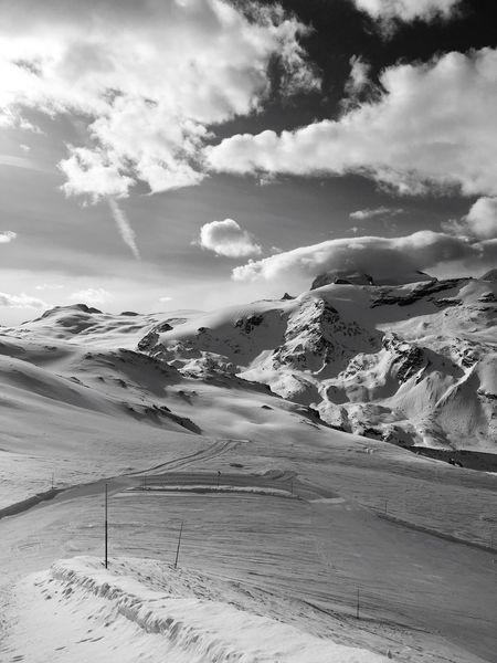 Snow ❄ Winterwonderland Skiing 🎿 Zermatt Snow Sports