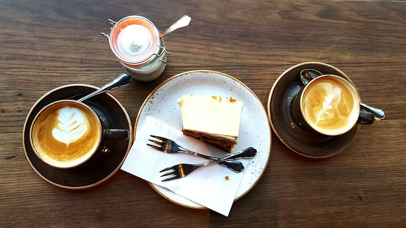 Geteiltes Leid ist halbes Leid! Coffe Shop Cappuccino Break Coffee - Drink Coffee Time Cappuccino Coffee Coffee Break Table Frankfurt Am Main Rüblikuchen CarotCake Carrotcake Cake Time Cake Wood - Material Food No People Indoors  Mix Yourself A Good Time Food Stories