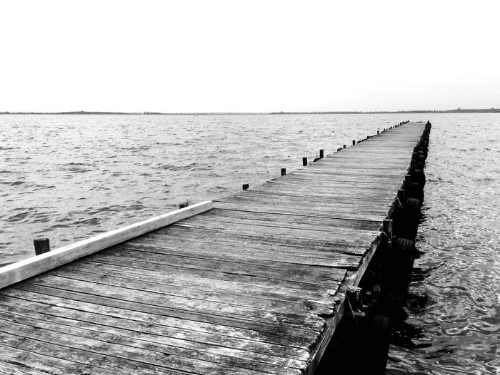 Steg See Sea Sea And Sky Meer Sail Wood Holz Meer Horizon Dock Footbridge Bridge Water Blackandwhite Photography Fotografie Schwarzweiß Nature_collection Taking Photos Enjoying Life Cubefotografie Relaxing Eyeemcollection