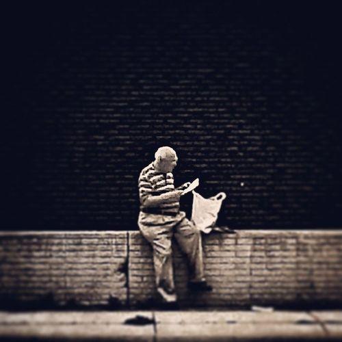 Consultation Monochrome Street_portrait
