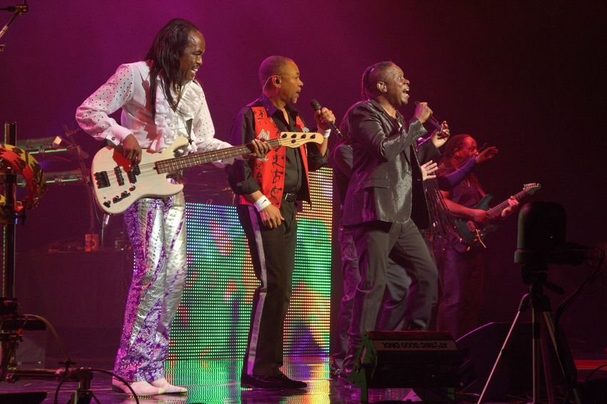 Arts Culture And Entertainment Earth, Wind, And Fire Enjoyment Indoors  Montreal Jazz Festival Music Music Things I Like Performance Real People Singers Stage Lights Stage Photography Stage Show Concert Photography concert