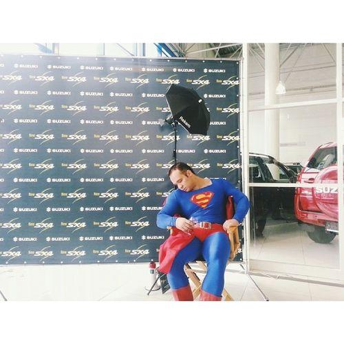 """""""сфоткал супермена, пока он спит, люблю его"""" RusMobPhoto Superman Suzuki Newsx4 @suzukurussia"""