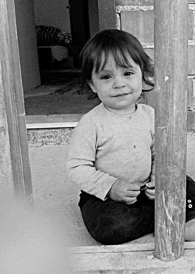 First Eyeem Photo Innocent Face Innocent Eyes Meaningful  Child Hello World Dark Night Turkey Finding New Frontiers Carnival Crowds And Details Piano Moments Millennial Pink EyeEmNewHere