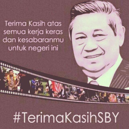 TERIMA KASIH BAPAK DR.H. SUSILO BAMBANG YUDHOYONO (SBY) Telah Tabah dan selalu setia menjadi pemimpin bangsa ini, terima kasih dari 300 Juta lebih penduduk bangsa ini atas segala kebijakanmu dan jasa-jasamu. Namamu adalah sejarah bangsa yang tidak pernah terhapus selama-lamanya di hati seluruh bangsa ini. Tak lupa juga kami ucapkan terima kasih buat Bapak Prof. H Boediono Yang menemani SBY lima tahun terakhir, berkat jasa engkau berdualah kemajuan bangsa saat ini. Repost: TerimakasihSBY Sby Boediono Ri NKRI President NewPresident INDONESIA Merahputih Pancasila Bhineka State Republik Pelantikanpresiden Jokowi Instapeople Instasunda InstaID Jk