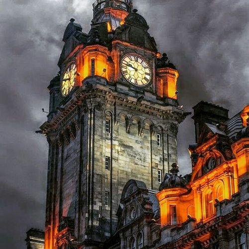 Edimburg Scotland night 😂😉😍👍❤ Amazing Places To See Amazing_captures Awesome_shots Best View Beautiful City EyeEm Best Shots Eyem Best Shot My Best Photo 2015