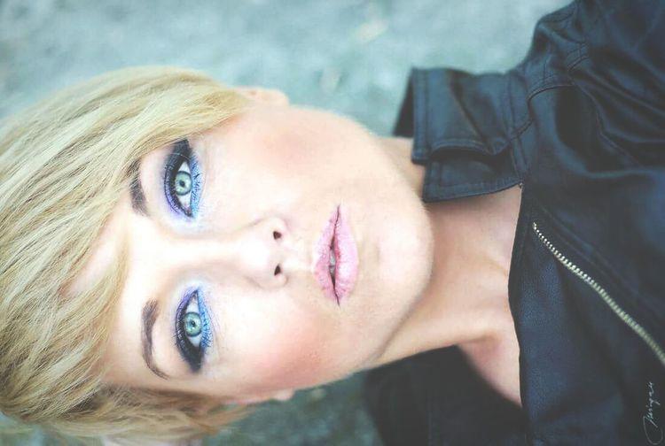 That's Me Portrait Hi! Women Eye Color Portrait Fot Mirgan