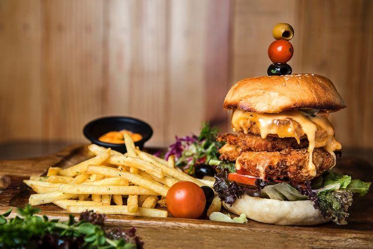Food shot - food photography - Burger Foodie Burger Fast Food Food Food And Drink Foodphotography Food Photography Food And Drink Ready-to-eat EyeEmNewHere