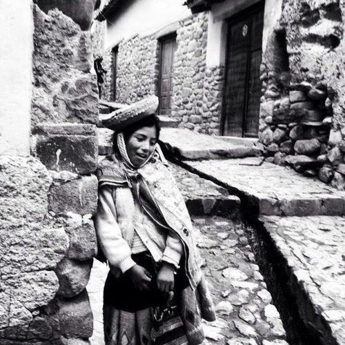 Niña de Ollantaytambo/Cuzco Cuzco - Peru Ollantaytambo - Peru Recuerdos De Infancia