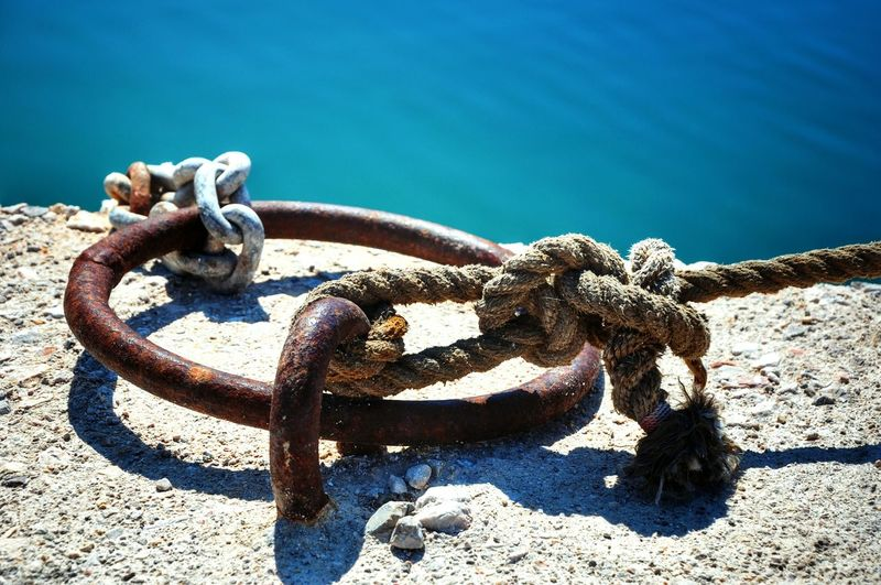 Cape Point Close-up Sunny Day Seaside Rusty Metal Close Up Rusty Port Life Still Life Ropes Ropeswing  Port View StillLifePhotography Rustic GrungeStyle Grunge It Up Ropeway Rope Swing Rope The Essence Of Summer
