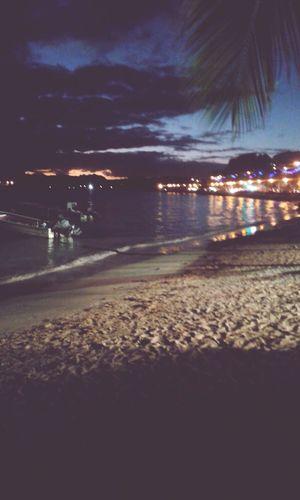 Being A Beach Bum Sea Relaxing Plage Beach Playa Paysage Taking Photos Light Enjoylife