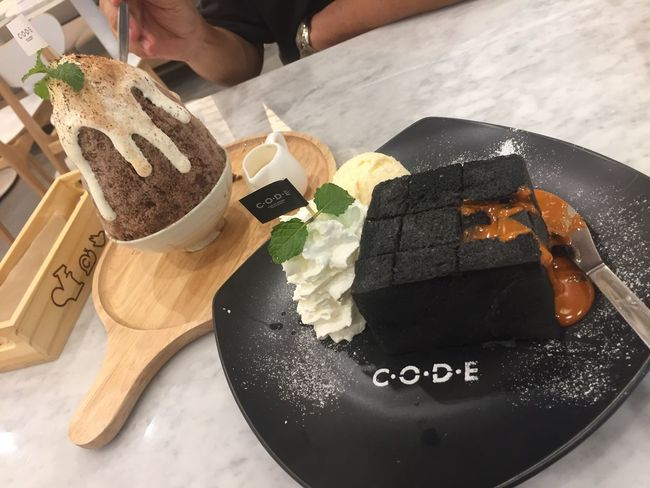 My Dessert ❤ Food And Drink Food Freshness High Angle View Real People Unhealthy Eating Ready-to-eat Indoors  Close-up Men One Person Human Hand Day Human Body Part People Charcoal Thaitea Lava Kakigori Toast Dessert