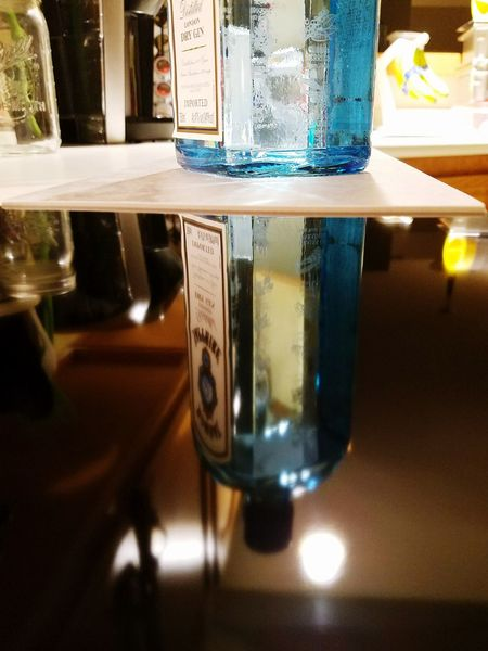 Drygin Bombaysapphire Blue Reflection Kitchen House