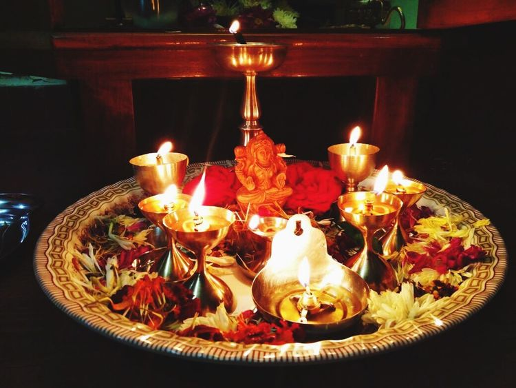 Laxmi poojan Umeed. Hope Hopes And Dreams Laxmipoojan Darkness And Light Dark To Light Candle Happiness Festival Togetherness Food