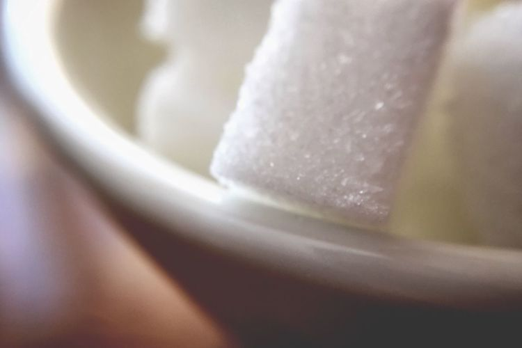 ᴸᴵᶠᴱ ᴵˢ ᴮᴼᴿᴵᴺᴳ ᵂᴵᵀᴴᴼᵁᵀ ˢᵁᴳᴬᴿ Curve Grain Cube Curves And Lines Edge Close Up Macro Photography Macro Tadaa Community Sugar Food And Drink Freshness Still Life Food Close-up Indoors  Indulgence Selective Focus No People Sweet Food Ready-to-eat Bowl Temptation