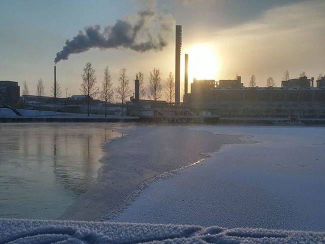 Ratinanstadion Laukontori Jaa Vesi Ice Water Hielo Agua Glace Eau Tampere Tampereallbright Tamperelove Muntampere Tre Visittampere Igerstampere Ig_finland Finland_photolovers Finnishmoments Loves_finland Almostperfect_winter Fotocatchers