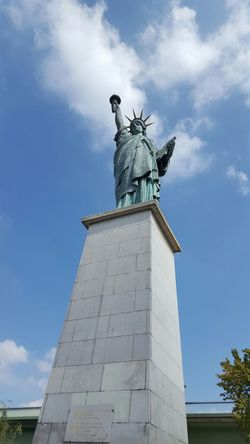 Art Day Frankreich Freiheitsstatue Himmel Und Wolken Kunst Paris, France  Sky Statue Statur Statureofliberty