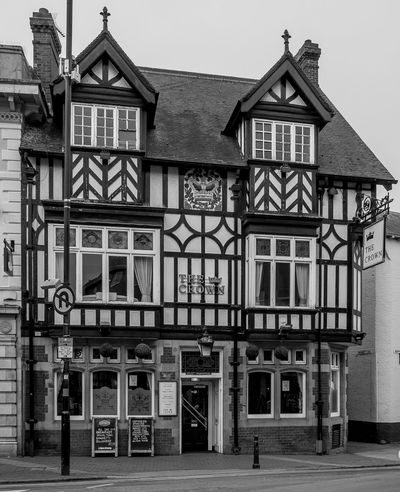 The Crown, North Street, Rugby, Warwickshire Rugby FUJIFILM X-T10 Warwickshire Rugbytown Monochrome Black And White Architecture Street Pubs Rugby Pubs