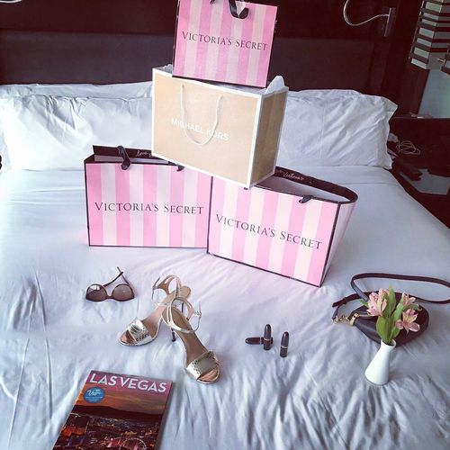 Shopping #fashion Viktoriasecret Pink Color USAtrip Michaelkors Calvin Klein Mac Lifestyle Lovemylife