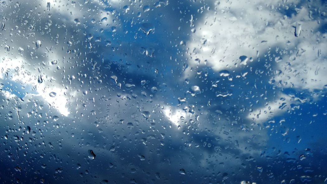 EyeEm Best Shots Pattern Pieces Clouds And Sky Beautiful Sky No Filter, No Edit, Just Photography Vieuw From My Window Raindrops On My Window Raindrops Sky Cloud_collection