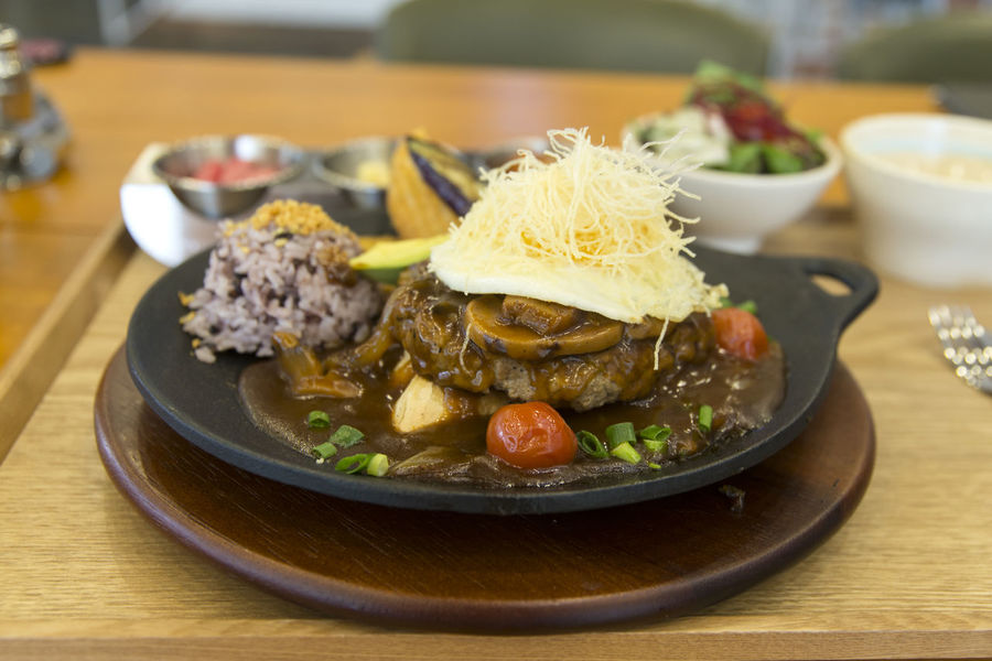 hamburger steak Beef Bowl Close-up Day Egg Focus On Foreground Food Food And Drink Freshness Garnish Hamburger Steak Healthy Eating Indoors  Indulgence Meat Mushroom No People Plate Ready-to-eat Rice Serving Size Steak Table Tomato Vegetable