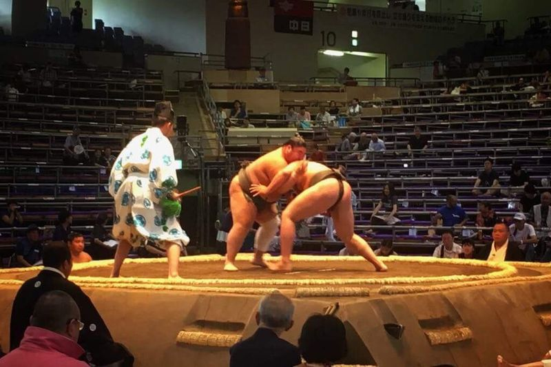 Sumo tournement Awesome Nippon Photography Men Culture And Tradition Cultures Picoftheday Wrestling Battle ASIA Voyage Sumo Japanese Culture Travel Photography Japan Architecture Real People Staircase Group Of People Built Structure People Men Sport Crowd Lifestyles