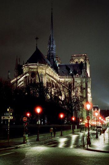 CineStill 800T Cityscape Nightphotography Nikon F4 Notre-Dame De Paris Architecture Cinestill City Illuminated Night Street Light