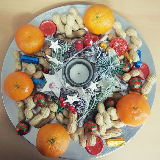 Fruit Citrus Fruit Healthy Eating Food And Drink Freshness High Angle View Table Directly Above No People Food Healthy Lifestyle Sweet Food Indoors  Orange Decorations For Xmas Decoration Christmas Decoration Décoration De Noël