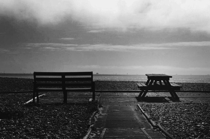 Evening Beauties.. 💋 Melancholic Landscapes Black & White Black And White Blackandwhite Alone Bench Tadaa Community Shot With Love