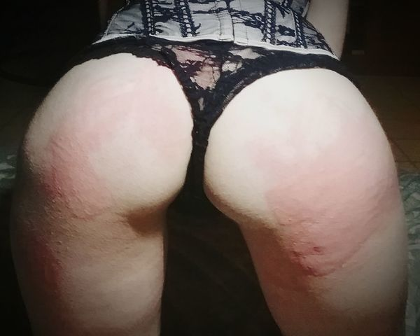 Women Lifestyles Leisure Activity Adults Only Real People Spanking Bdsmlifestyle Crop Whip Bondage. Sexygirl Nice Butt