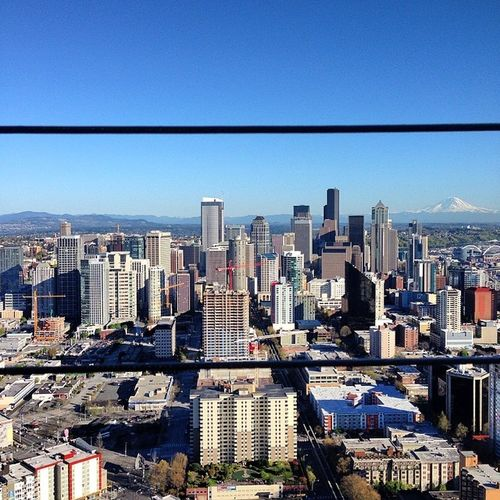 We up here 🙌 Mt Rainer in the back looking like a monster 👌 Seattle Washington Spaceneedle Dowtown Lurking Gonnamissthisplace