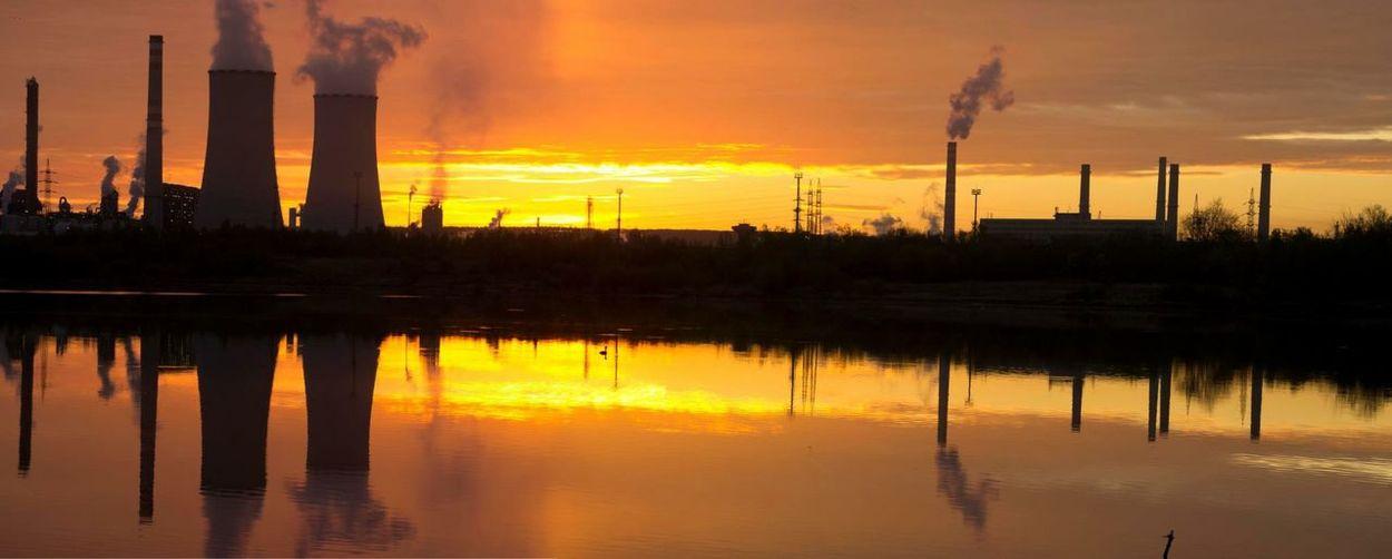 Water Reflections Water Fabric Company Chemopetrol Unipetrol Orlen Mirror Sunset Sun