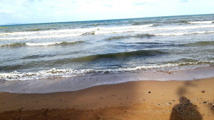 คลื่นทะเล Sea Beach Nature Wave Water Scenics Sky Horizon Over Water Sand Beauty In Nature No People Horizontal Outdoors Day Cloud - Sky Power In Nature