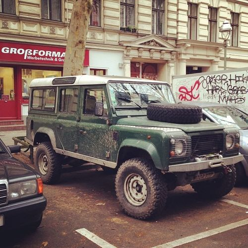 It's like a jungle sometimes. Karre Classiccar Landrover  Altekarrenbattle Carsofberlin Berlincars