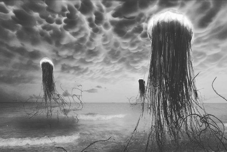 Alien jellyfish arriving over Ramsgate beach. Sea Cloud - Sky Mammatus Clouds Mammatus Cloud Formations Cloud Formation Jelly Fish Beach Water Horizon Over Water Sky No People EyeEm Selects Jellyfish Jellyfishes Aliens Alien Invasion Alien Encounters Alien Alien Landscape