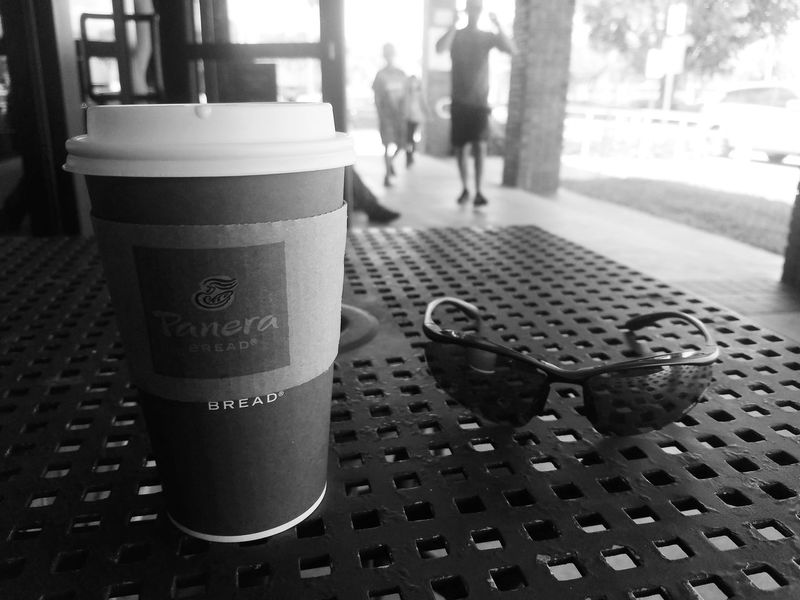 Relaxing Outdoors Day Photography Life Black & White Photography Is Art Photographer Enjoying Life Miami Black&white City Of Miami Panera Bread  Chai Tea Latte Relaxing