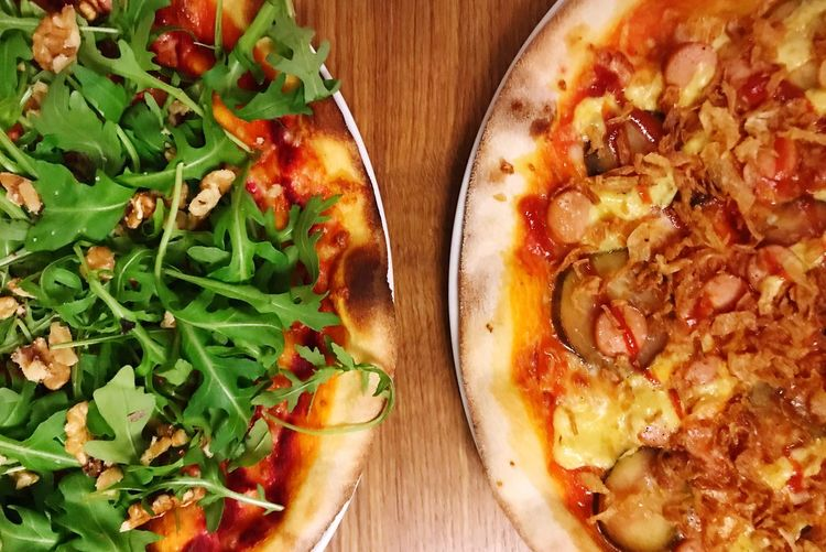 Pizza Healthy Healthy Eating Rucola Pizza Time Food And Drink Food Freshness Pizza Still Life Indoors  Ready-to-eat Table High Angle View Directly Above Unhealthy Eating Vegetable Italian Food Cheese Serving Size Close-up