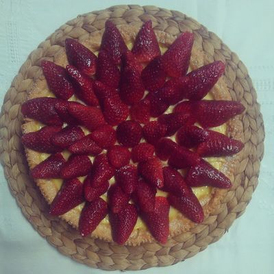 Strawberry pie! The recipe is now up in my blog @solozuccheriacolazione.altervista.org Fragole Crostata Ricette Dolci
