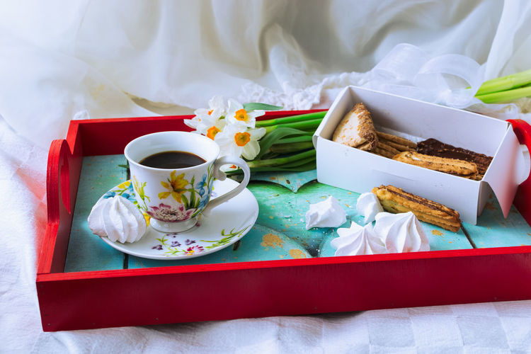 Cookies Good Morning Breakfast Homemade Indoors  Flowers Bouquet Spring Mood Spring Spring Flowers Still Life Coffee Cup Porcelain  Fine China Exquisite White Background Food And Drink EyeEm Selects Tray Studio Shot Dessert Sweet Food Food And Drink Served Tablecloth Pastry Prepared Food Tea