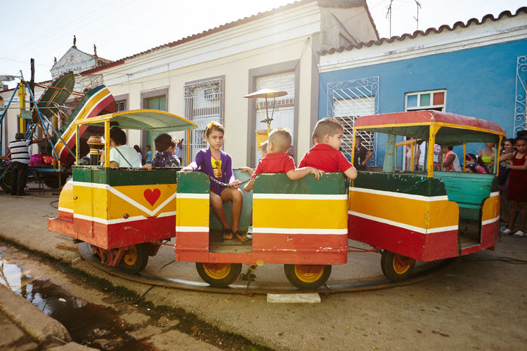Parrandas De Remedios Carnival Cuban Life Fair Ride Fair Rides Parrandas De Remedios Serious Street Party Train Ride