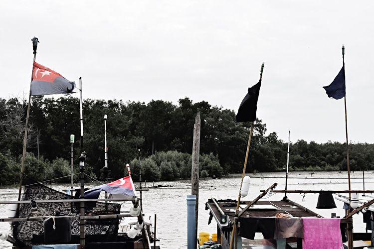 Flag National Icon Nautical Vessel River Outdoors Wind Muar Paritjawa Fishvillage Nikond7200