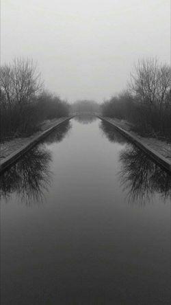 Blackandwhite Canal Relaxing Mirror Image Atmospheric Leigh