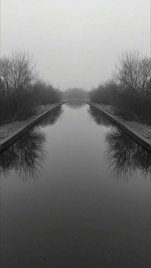 Blackandwhite Canal Relaxing Mirror Image Atmospheric Leigh