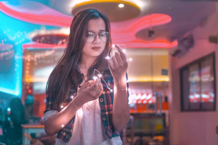 Let the good vibes reflect.. One Woman Only Arts Culture And Entertainment Only Women Eye Em Around The World EyeEm Best Shots Lens Flare Eyeem Market Eyeemphoto EyeEmNewHere EyeEm Masterclass Creative Photography EyeEm Best Edits Portraitphotographer Portrait Photography Eyem Best Shots Perspectives On Nature EyeEmBestEdits Eyemphotography Doingthebrandonwoelfel NikonAsia EyeEm Team EyeEmBestPics EyeEm Selects Week On Eyem One Young Man Only Be. Ready.