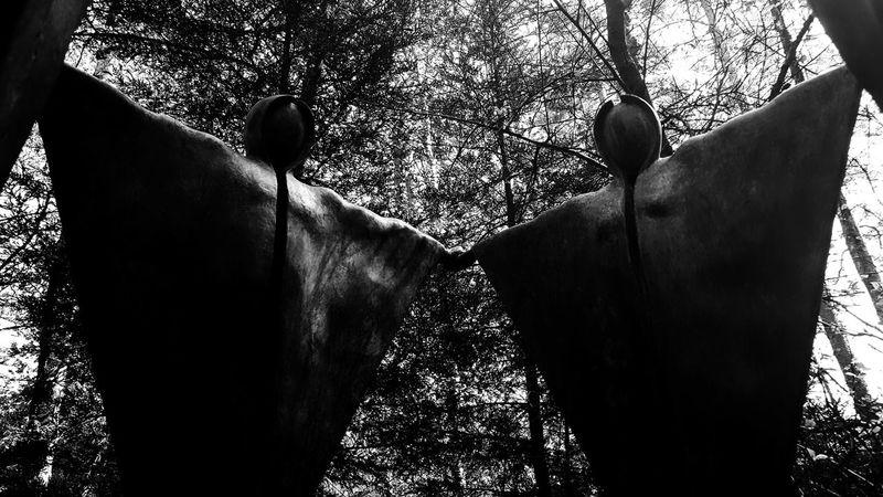 Hanging Out Check This Out Art ArtWork Sculpture Sculpturepark Sculptureporn Hello World Darkart Dark Forestwalk Blackandwhite Eye4photography