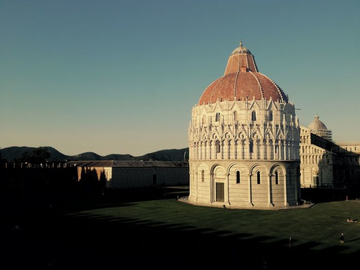 Piazza dei miracoli. History Monument Leaning Tower Of Pisa Medioevo Dome History Architecture Building Exterior Sky Built Structure Museum The Past Historic Building Art Museum