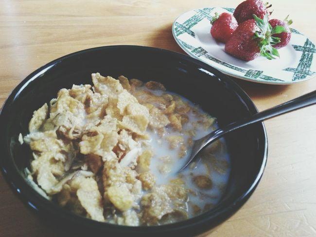 Breakfast Cereal Strawberries Food Foodphotography Foods Simplefoods The EyeEm Breakfast Club